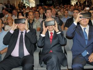 Israeli president Reuven Rivlin, former president Shimon Peres and prime minister Benjamin Netanyahu don virtual reality goggles.