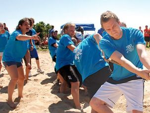 Counterattack: Students at UC Santa Cruz participate in Maccabiah Day games sponsored by Hillel