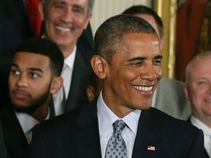 Barack Obama, who met with the NBA champion San Antonio Spurs, spoke with Israeli Prime Minister Benjamin Netanyahu.
