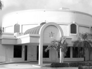 Shul Crisis: The Boca Raton Synagogue, where Richard Andron was a member for years, sent emails to members seeking to reassure them that the accusations against him focused on his activities at Yeshiva U. high school decades ago.