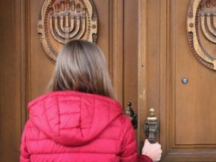 Dispute Wont' Die: A woman arrives at a synagogue in the restive Donetsk region of eastern Ukraine.