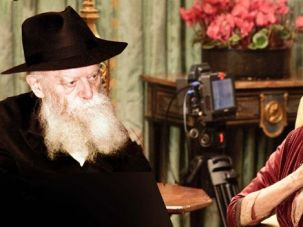 Downton Rebbe: The Dowager Countess Violet Crawley (Dame Maggie Smith) is unexpectedly charmed by the Rebbe?s talmudic wit and wisdom.