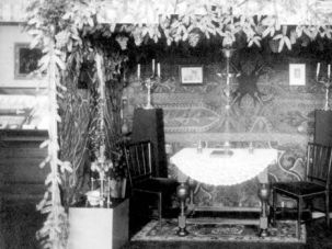 A Dutch sukkah in prewar Holland.