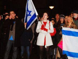 Annika Hernroth-Rothstein (in white coat) at a pro-Israel demonstration on Nov. 22, 2012 in Stockholm.