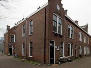 Jewish Enclave: About a dozen Jewish families live in a predominantly Muslim neighborhood of The Hague.