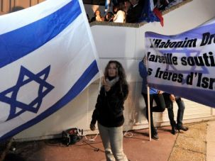 Au Revoir France: French Jews demonstrate support for Israel. Buffeted by economic pressure and rising anti-Semitism, more are lining up to immigrate to the Jewish state.