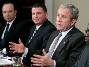 African Envoy: Ugandan Jewish leader Gershom Sizomu meets with then-President George W. Bush in 2007.