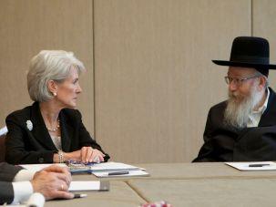 MK Yakov Litzman meets with Kathleen Sebelius in 2012.