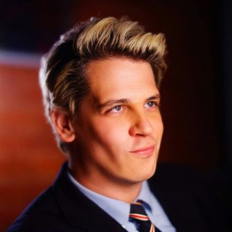 Milo Yiannopoulos, right-wing blogger and apologist for human biodiversity and the alt-right.