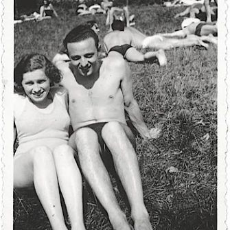 Bathers and Lovers: Valy and Karl in Vienna, around 1936.