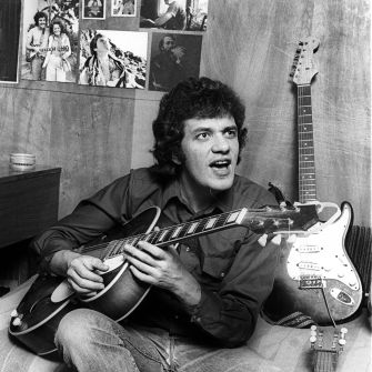 Born To Strum: Bloomfield as seen in San Francisco in 1976.