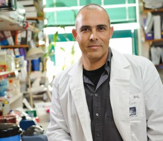 Dr. Alon Chen, the lead researcher of the study at the Weizmann Institute in Rehovot