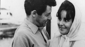 Elizabeth Taylor and Eddie Fisher - these two lovebirds married in Vegas.