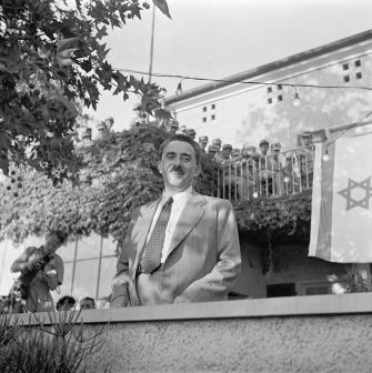 Zionist leader Moshe Sharett talked of a plan to relocate Palestinian Arabs to Iraq.