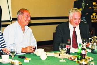 Consulting: GOP political operative Arthur Finkelstein (left) and Israeli leader Benjamin Netanyahu, whose political campaigns Finkelstein managed, talk business in March 1999.