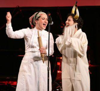 Just a Regular Old Married Yiddish Couple: Daniella Rabbani (left) and Miryem-Khaye Seigel.