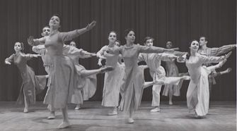 Brooklyn Ballerina: Leida Snow (foreground) in a production of the Brooklyn Ballet Company in 1965.