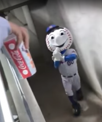 Mr. Met, at the fatal moment.