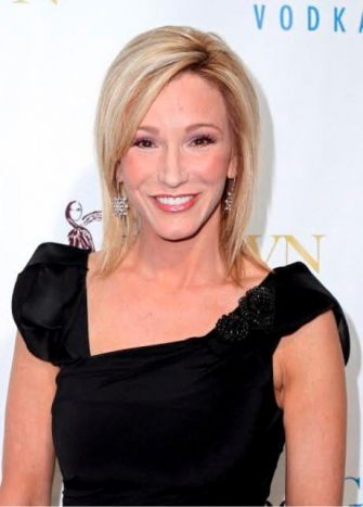 "Paula White, a popular Florida televangelist, will perform a blessing at this week's inauguration. White affirms the ""Hebrew roots"" of the New Testament and has a penchant for Jewish-infused ritual."