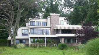 Rabbi Twersky's Nyack, New York vacation home