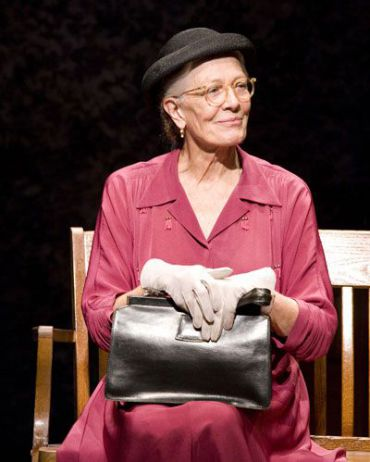 Vanessa Redgrave as a Southern Jewish widow in ?Driving Miss Daisy?