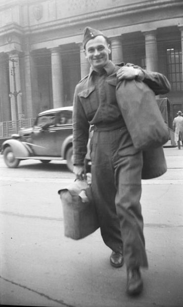 Albert A. Ackerman in front of Union Station, 1946. Courtesy Ontario Jewish Archives. Photo by Dr. John E. Ackerman.
