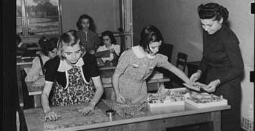 A home economics class in Greenhill School in Ohio in 1938.