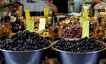 Olives and oils at Tel Aviv?s classic Carmel Market.