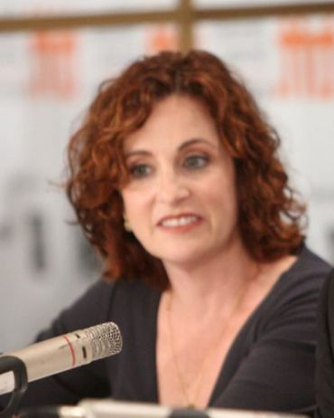 Author Ayelet Waldman Tweeted About Having HPV