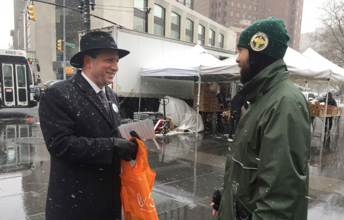 The Orthodox community played a big role in the defeat of Brad Lander's plastic bag bill.