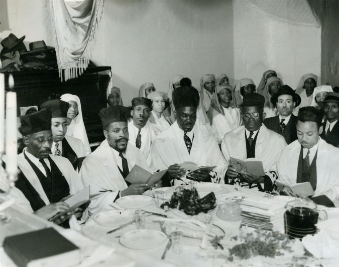 Rabbi Matthew, second from left at table, founder of the Commandment Keepers, leading a Passover seder in 1941.