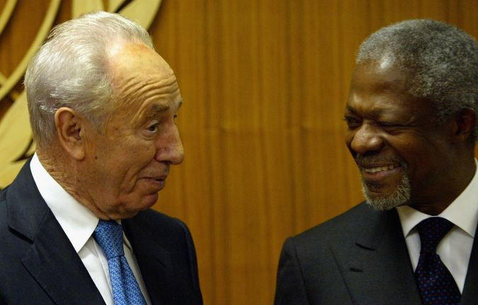 October 2004: Shimon Peres and the U.N. Secretary General Kofi Annan in New York City