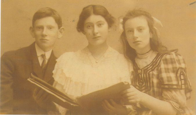 Family Portrait: Amy Schechter with her brother Frank and sister Ruth.