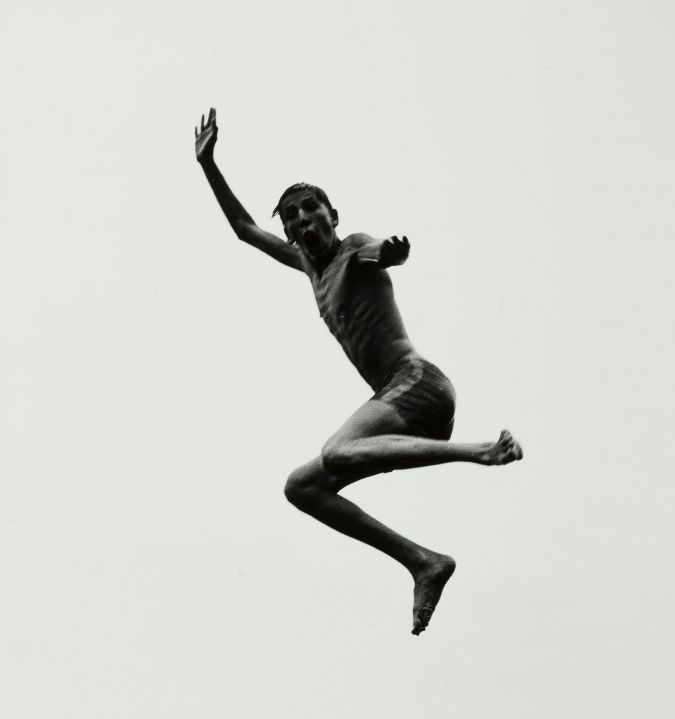Pleasures and Terrors of Levitation 57: A photo by Aaron Siskind from 1956.