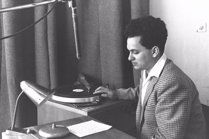 Yoram Ronen hosts Israeli radio show in 1957.