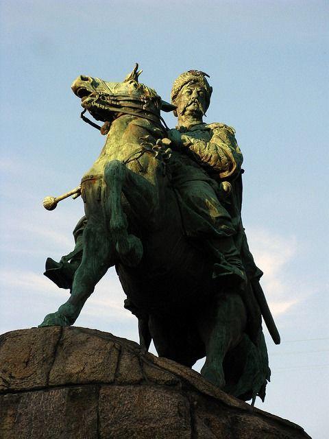 Monument to Bogdan Chmelnicki in central Kiev.