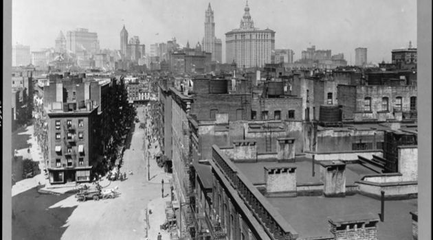 Lower East Side: This photograph shows the iconic New York City neighborhood as it appeared 100 years ago.