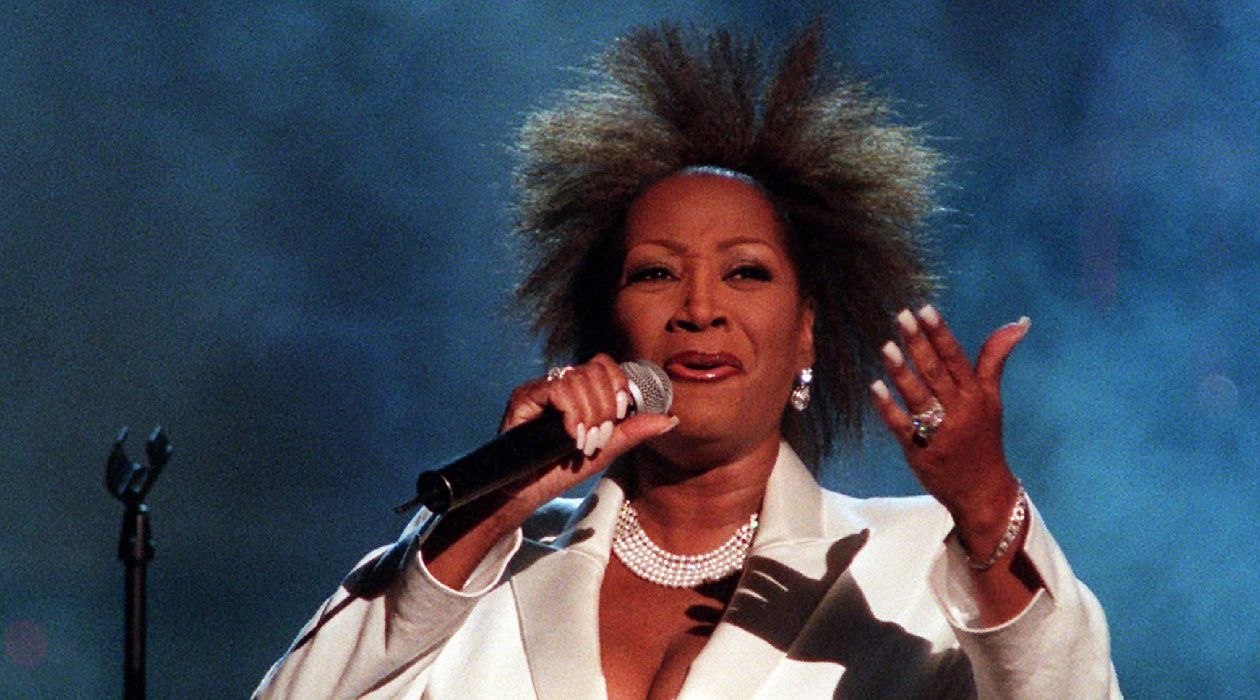 Voulez-Vouz Lire Cet Article? In the song 'Lady Marmalade,' Patti LaBelle employed the second person singular in memorable fashion.