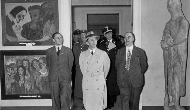 Goebbels views the ?Degenerate Art? exhibition in Berlin in 1937.