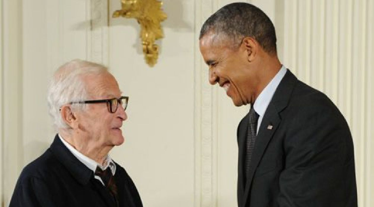 Storied Storyteller: Albert Maysles receives the 2014 National Medal of Arts from President Obama.
