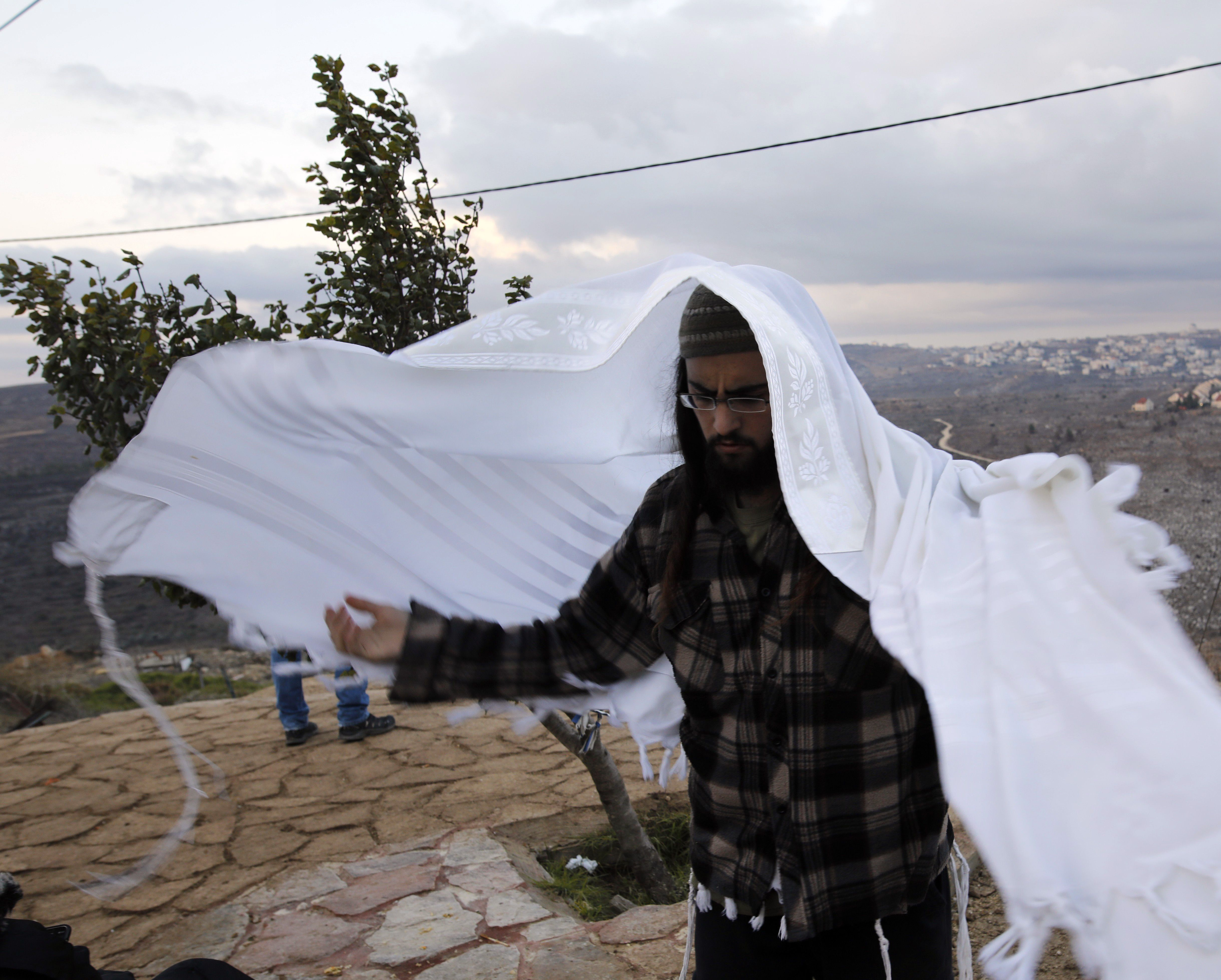 Amona settler.