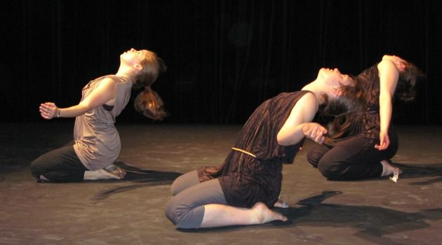 Liberation Movement: Avodah Dance conducts performances and workshops in women?s prisons.