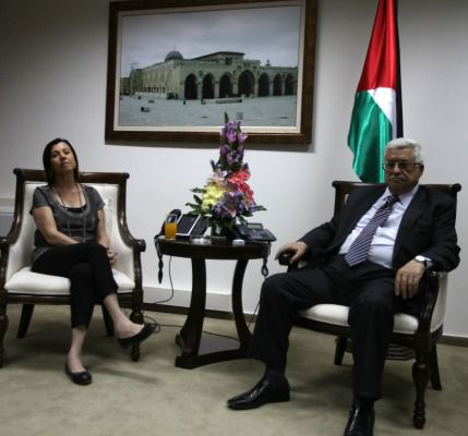 Mahmoud Abbas at earlier meeting with Meretz leader Zahava Gal-On, August 2012