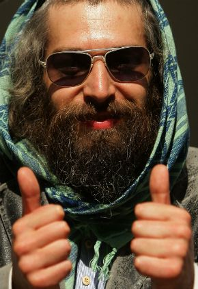 Matisyahu in 2010, with full beard