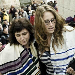 Rabbi Susan Silverman, left, and her daughter, Hallel Abramowitz.