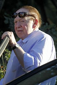 Casino billionaire and Romney super PAC donor Sheldon Adelson