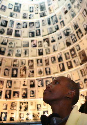 A Sudanese refugee at Yad Vashem.