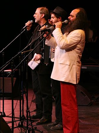Michael Alpert, Daniel Kahn and Psoy Korolenko perform at Moscow Yiddish Fest 2009.