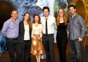?SCRUBS? BUDS: Actor Zach Braff (center) is flanked (from left to right) by Scott Orlin, Ilanna Bavli, Amanda Kogan, Beth Lemberger and Aaron Kogan ? members of the Entertainment Industry Leadership Initiative.