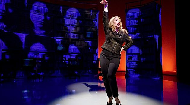 Hostess With Mostess: Donna Vivino performs ?Just Be Who You Are,? a song about Fran Drescher from the new musical ?Stars of David.?